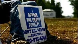 004102012185640000000571355_un-militant-oppose-a